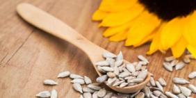 6-manfaat-kesehatan-makan-kuaci